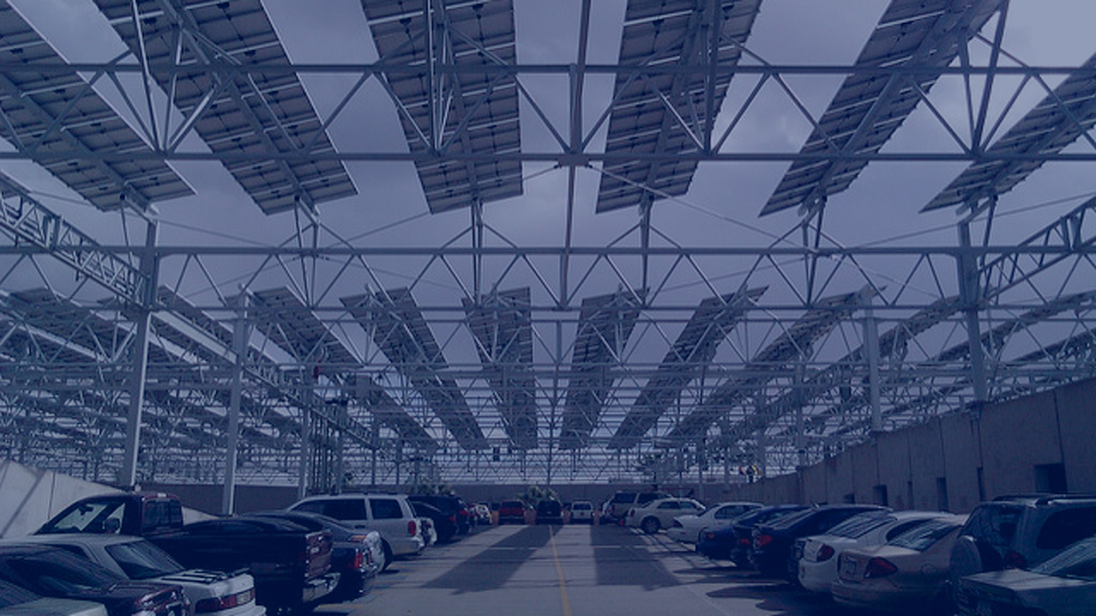 """<h4>Arizona State University</h4> <h5>In 2016, Arizona State University (ASU) had the most solar energy of any college nationwide, producing enough solar energy to meet nearly half of its peak daytime energy demand. <a href=""""#two""""><u>Learn more.</u></a> </h5> <em>Kevin Dooley via Flickr, CC BY 2.0</em>"""